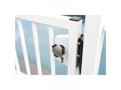 ._4lock_Sicherheitsknauf_3006_WSI_Detail_on_white_gate_by_pool_217009_3_0.jpg